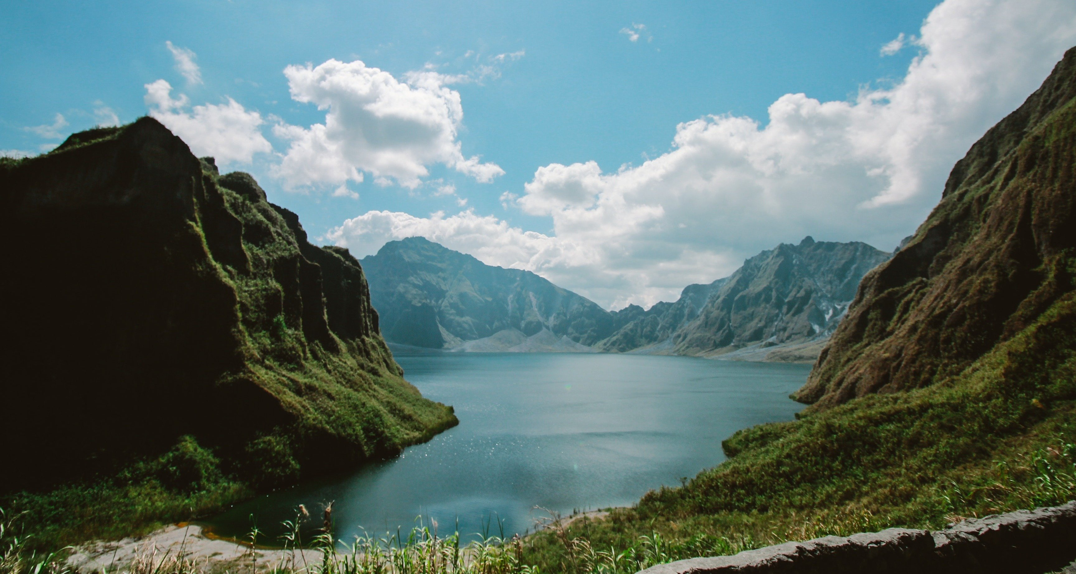photo-of-the-crater-of-mt-pinatubo-846343